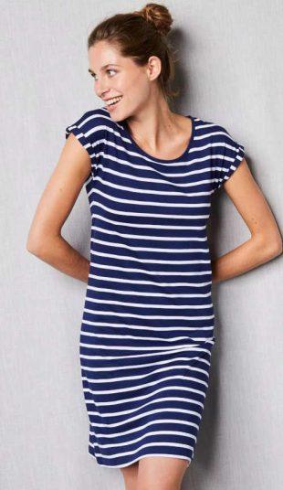 Pohodlná dámska nočná košeľa v námorníckom štýle